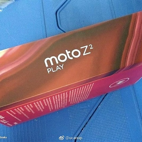 Moto Z2 Play Box Shots 5
